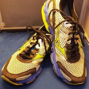 Mizuno Shoes - EUC. Mens Mizuno Wave Enigma 2 Pro Runners 11.5